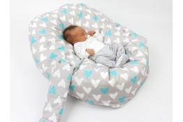 Pelíšek pro miminka, kojenecký relaxační polštář SRDCE MODRÉ