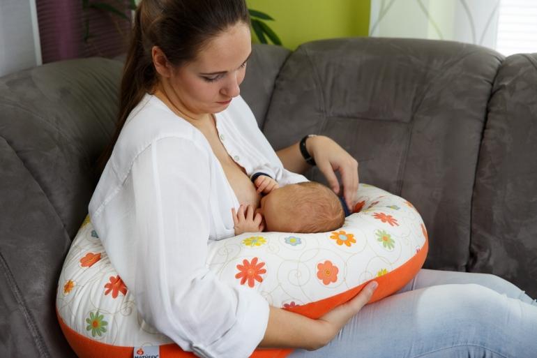 Kojení a zánět prsu – jak si s tím poradit?